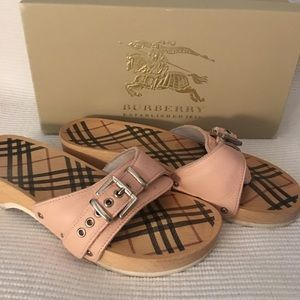 Burberry wood sandal